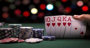 8 Taktik Bermain Poker untuk Pemula